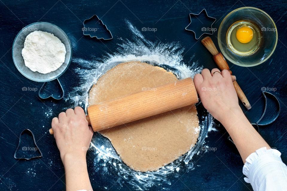 Woman preparing cookie
