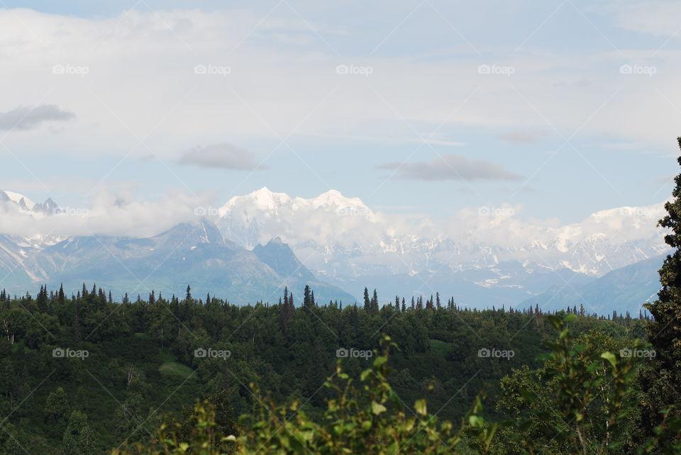 Denali and surrounding mountains