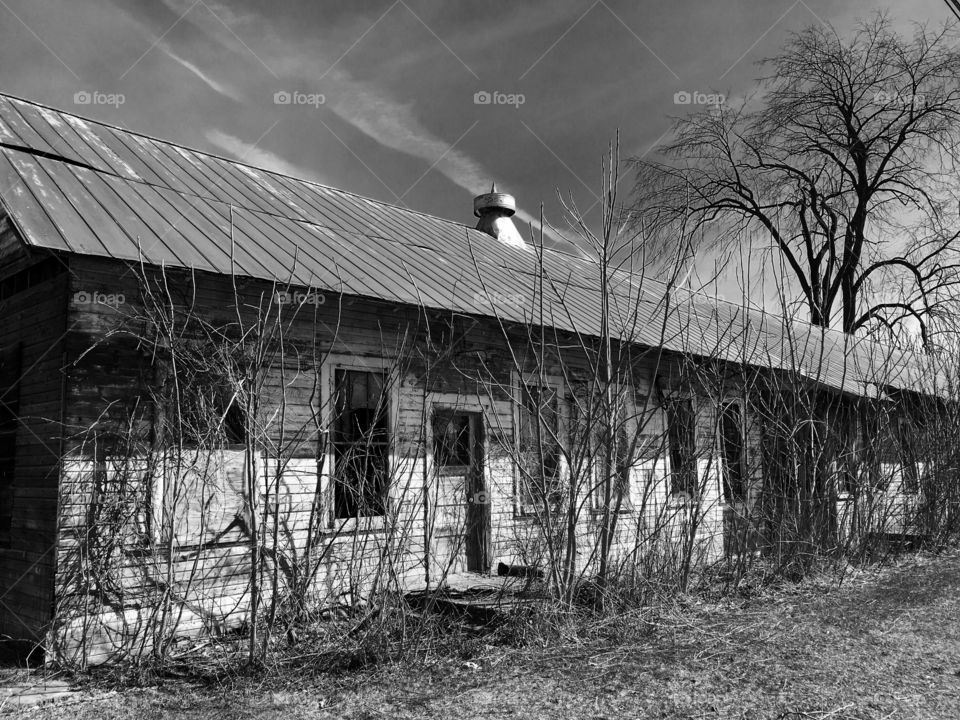 B&W Abandoned House