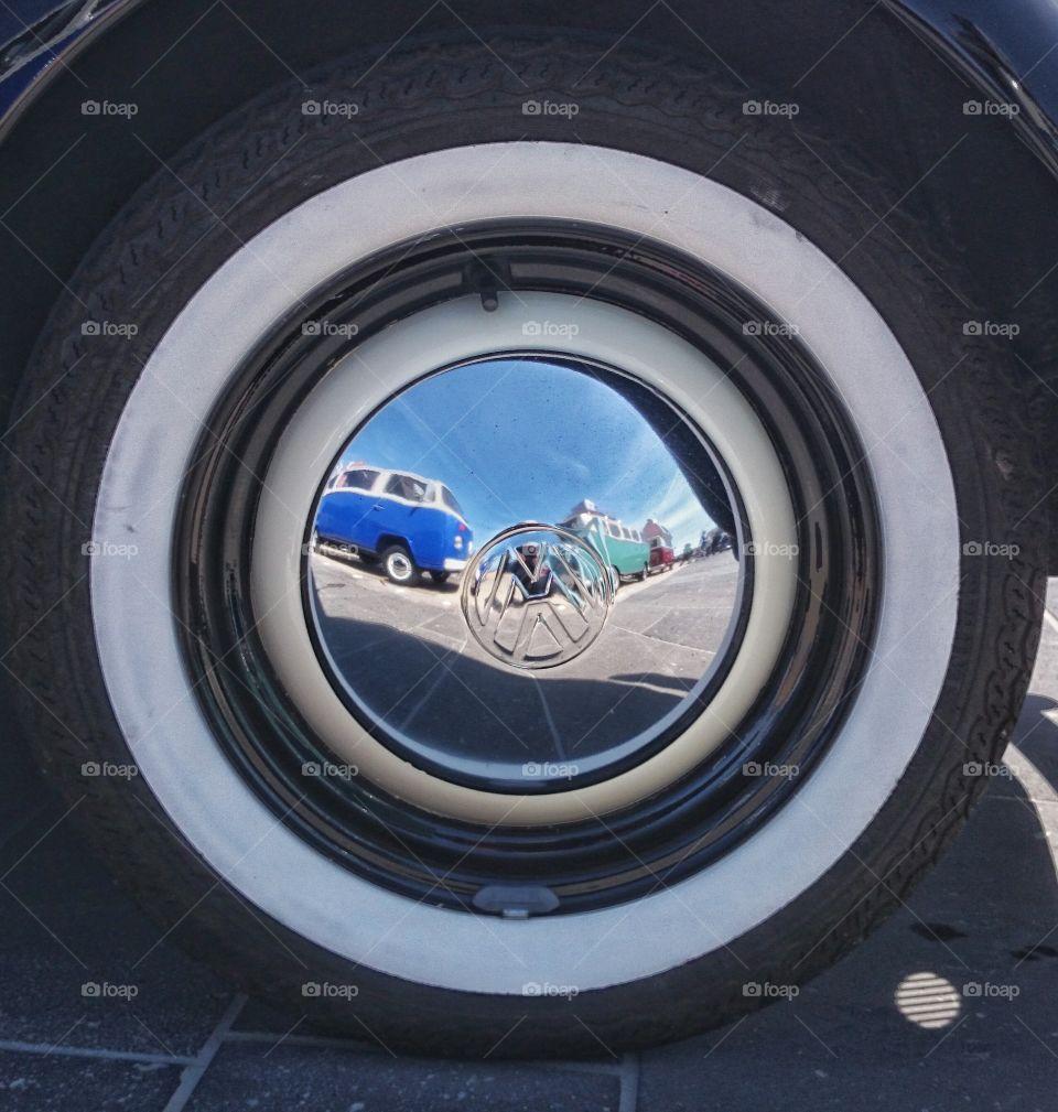 Wheel .  oldtimer wheel reflection