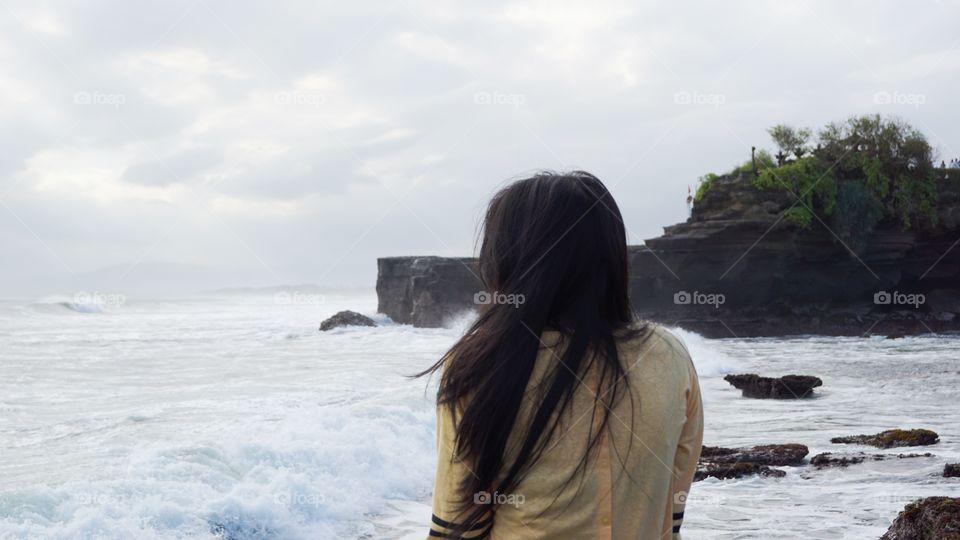 feeling Win on Tanah Lot-Bali