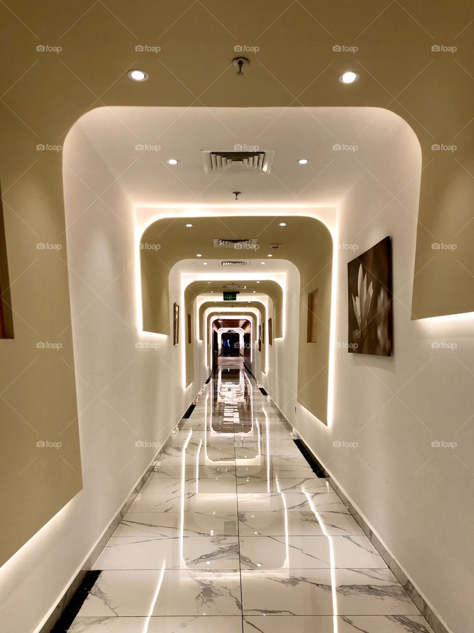 Geometric Hallway Design
