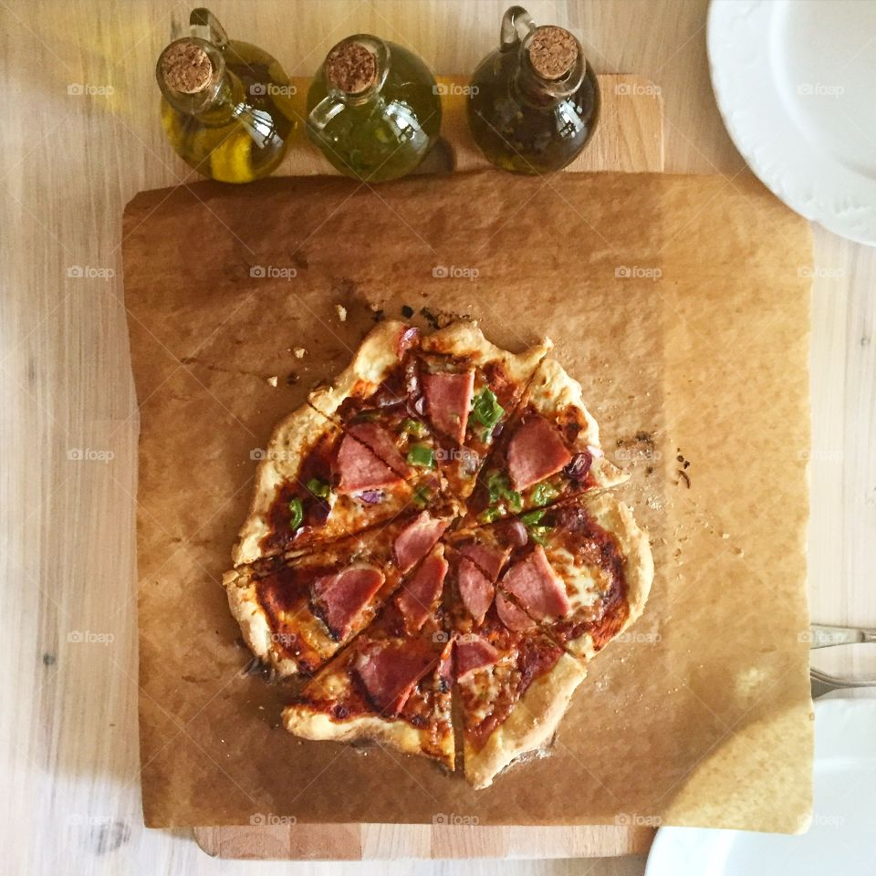 My standard quick homemade pizza: few ingredients and flavored olive oil