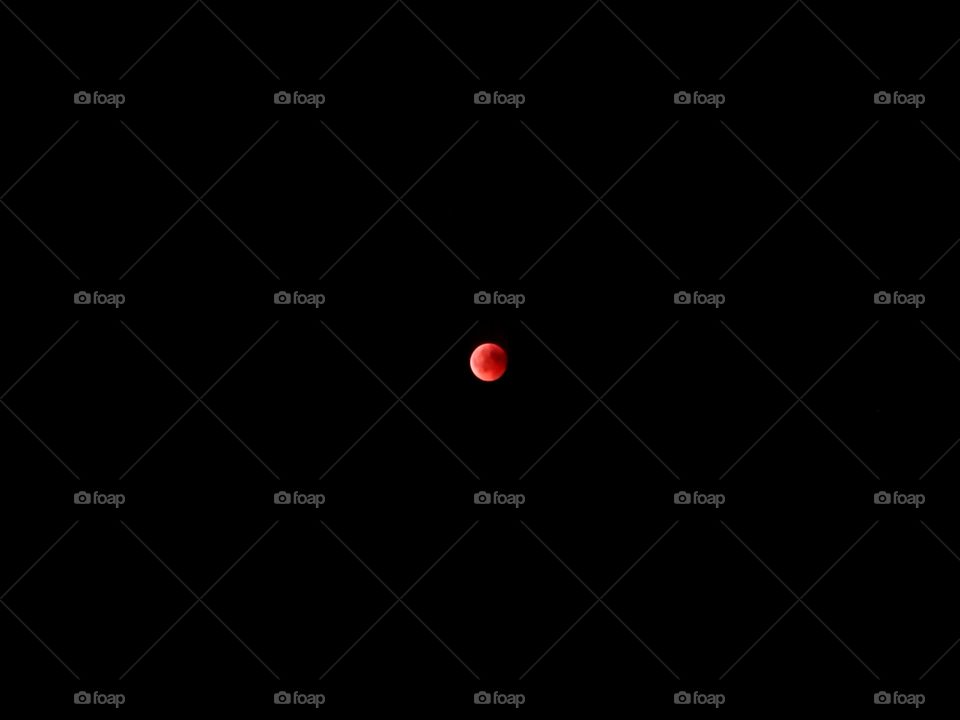 the red moon at the lunar eclipse on July 27, 2018