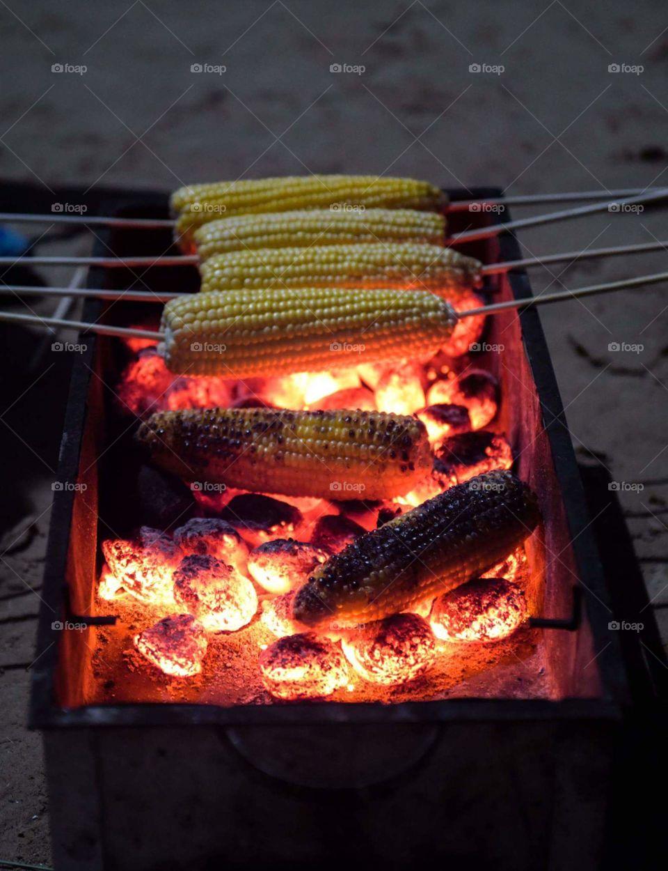 Mais und Feuer