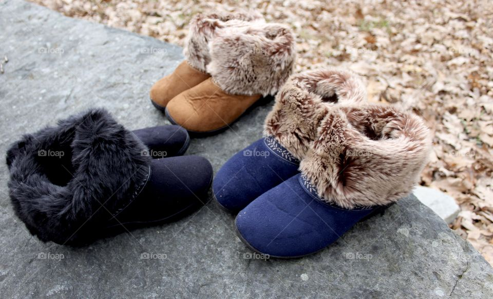 Three colorway faux fur slippers