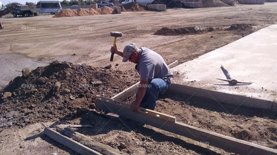 setting forms. setting forms for concrete