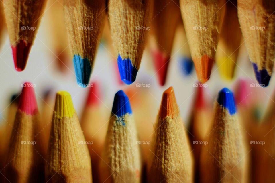 Teeth-like coloured pencils