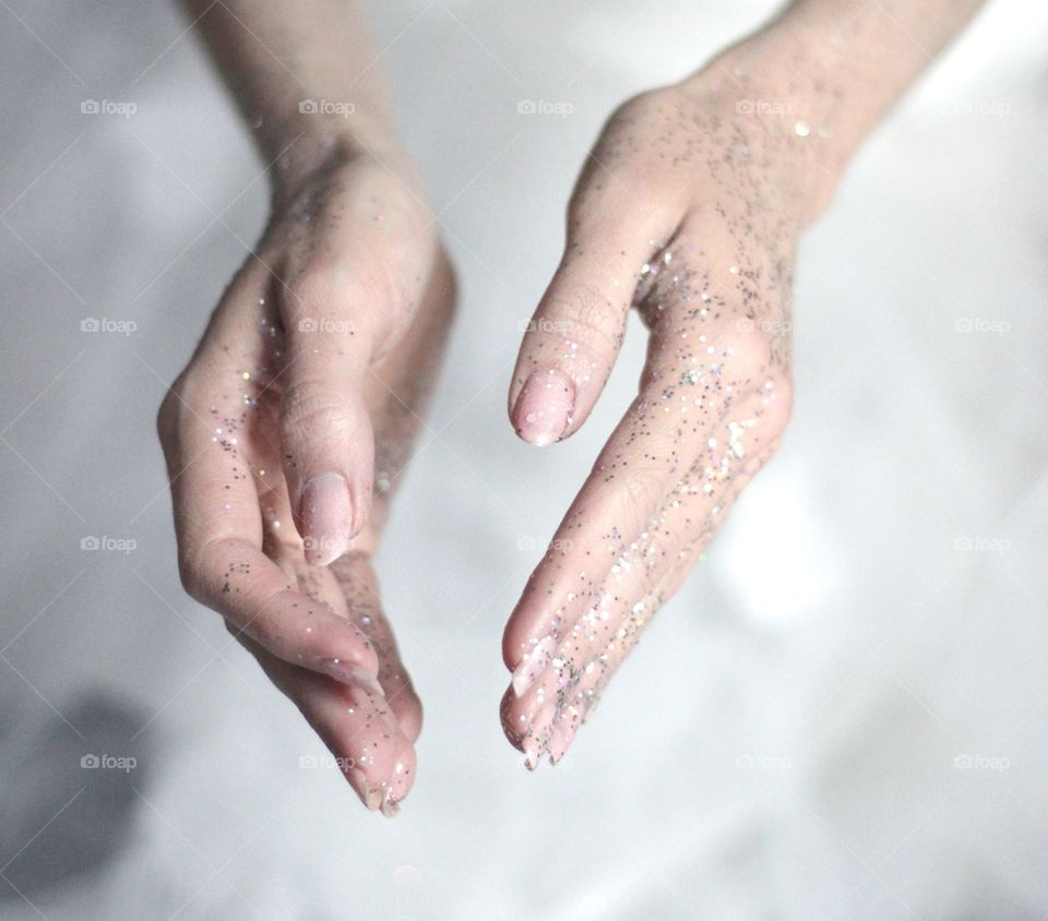 glitter hands wedding