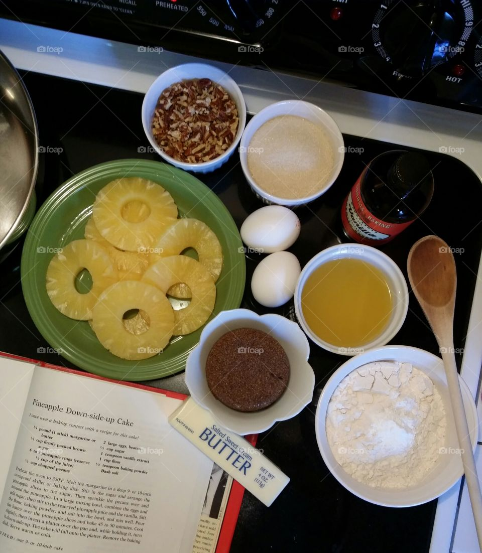 Ingredients for a Pinapple Downside Up Cake