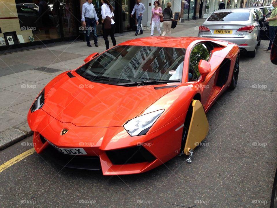 Lamborghini clamped