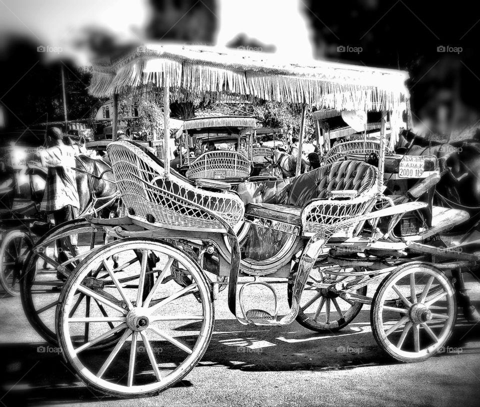 OLD FASHİON CAR