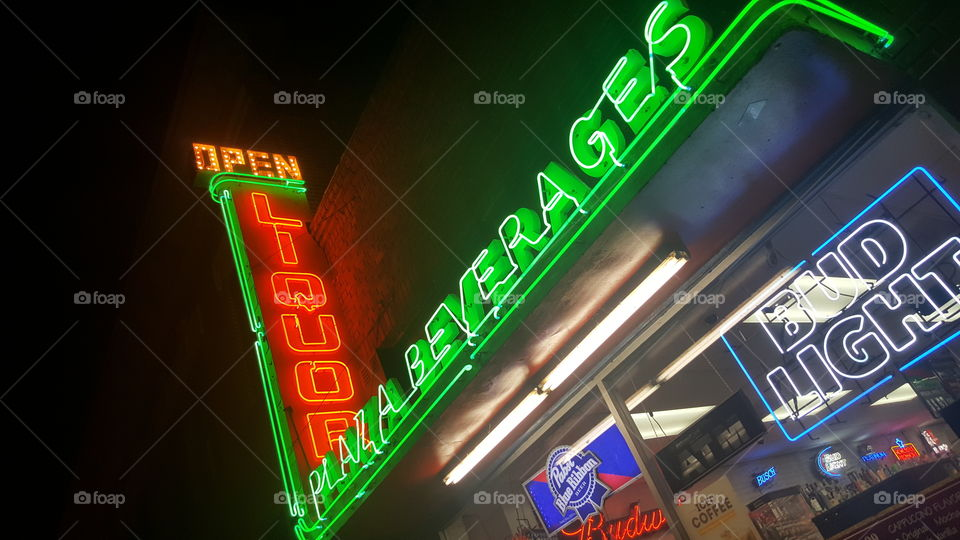 neon liquor store sign